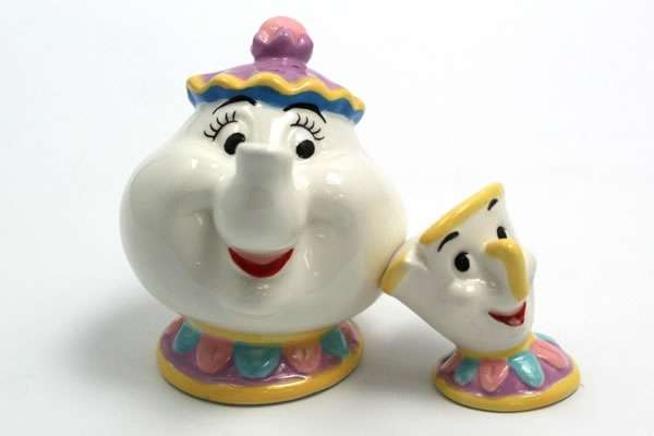 Familial Disney Seasoners Mrs Potts And Chip Shakers