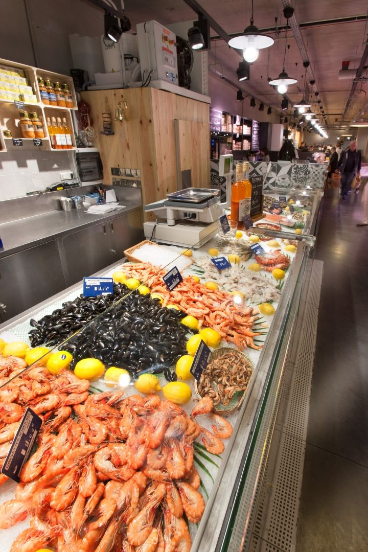 Fresh seafood merchandising nakide for Fresh fish store