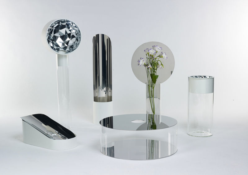 Mirrored Flower Vases