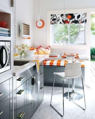 Sunny Minimalist Kitchens