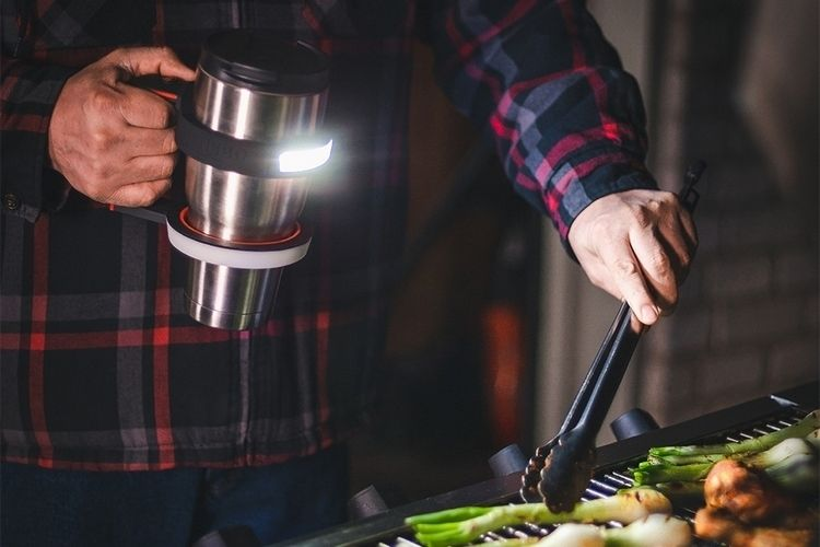 Flashlight-Equipped Cup Handles