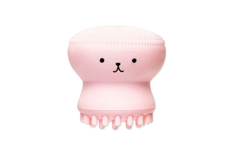 Jellyfish-Inspired Skincare Brushes