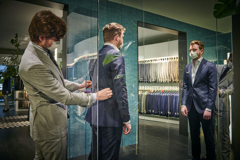 Distancing Suit Shops