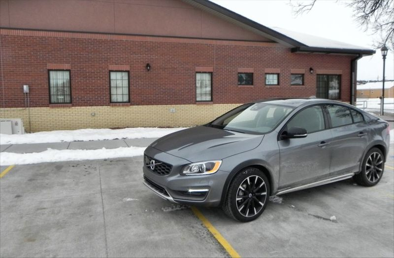 Luxurious Sport Sedans New Volvo