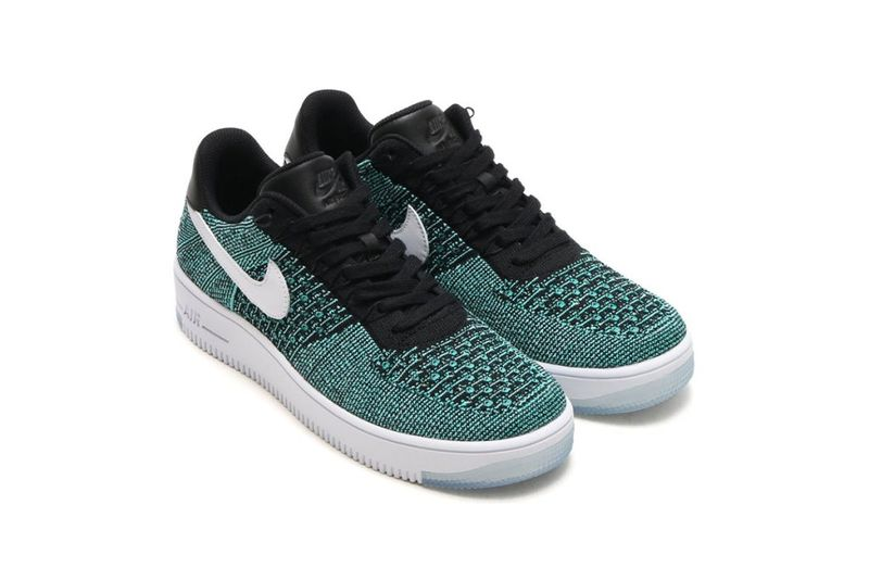 Lightweight Jade Sneakers