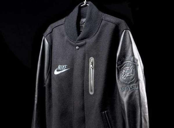 filete Camello Jabón  Sporty Leather Jackets : Nike Brazil Destroyer Jacket