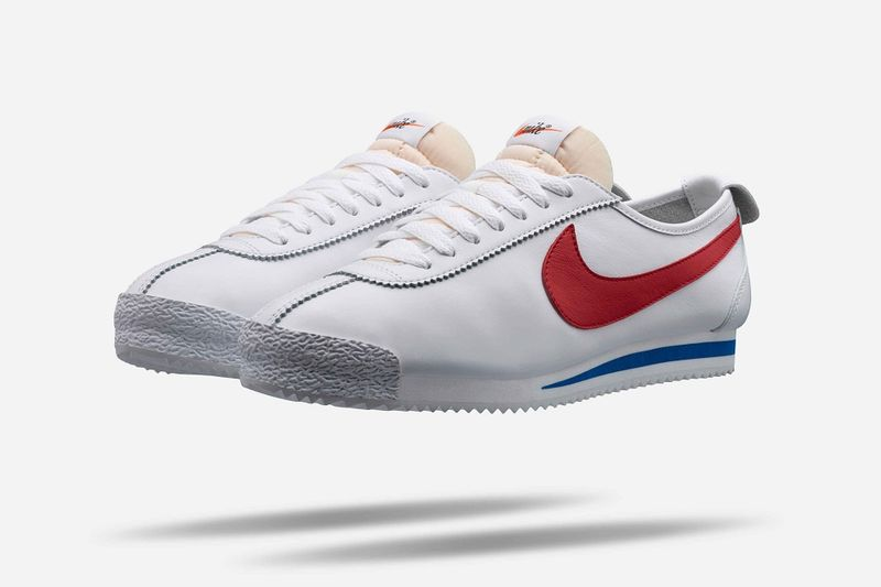 Sleek Retro Sneakers : nike cortez '72