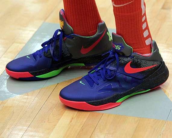 Chromatic Court Kicks : Nike Zoom KD IV NERF Edition