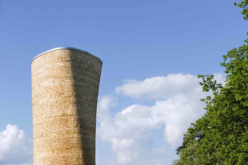 Shifted Ventilation Towers