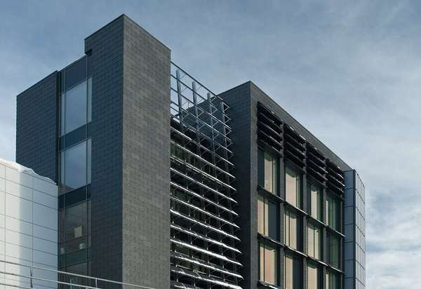 Solar Panel Walls Office Building By C F M 248 Ller