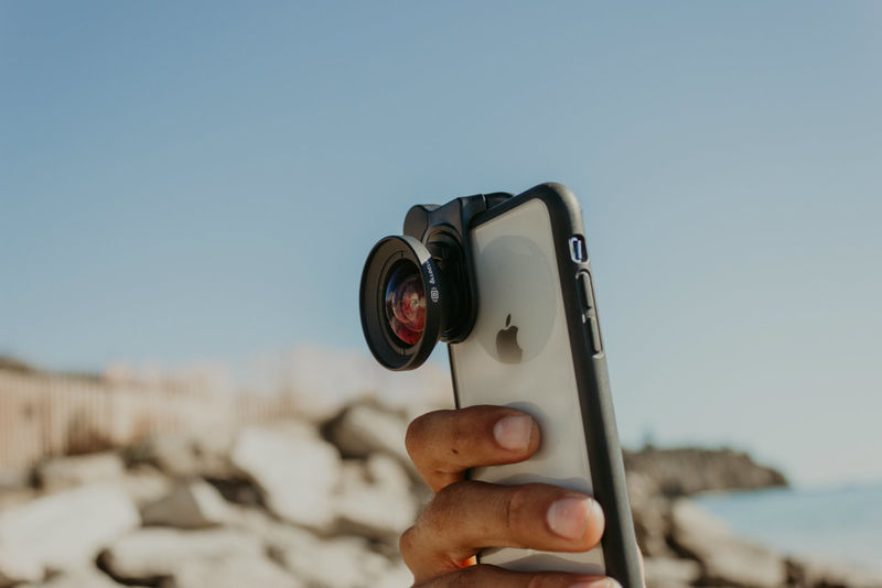 Clip-On Telephoto Smartphone Lenses