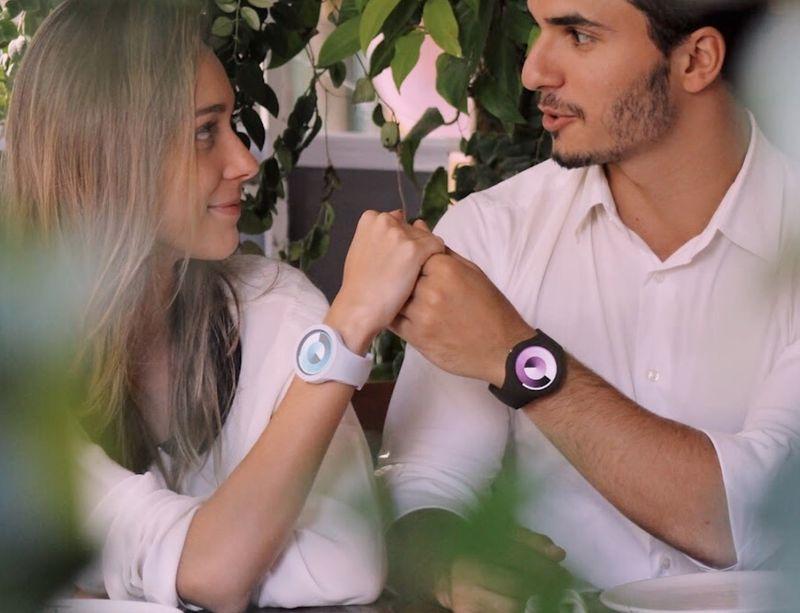 Chic Gradient Display Smartwatches