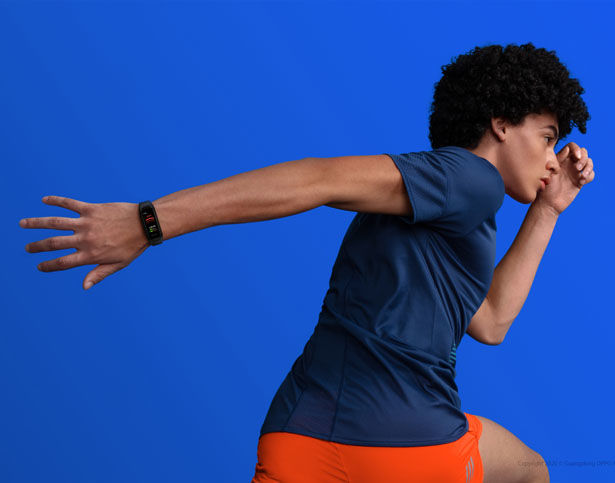 Stylish Health-Tracking Wearables