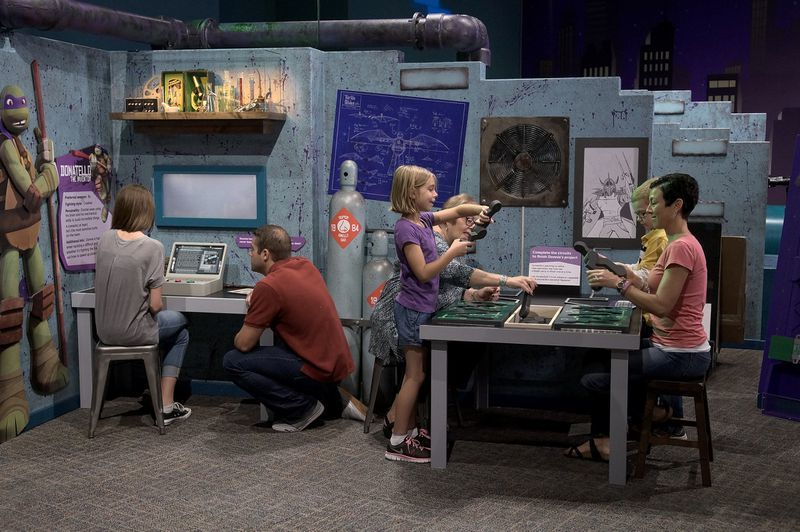 Cartoon-Themed Science Exhibits