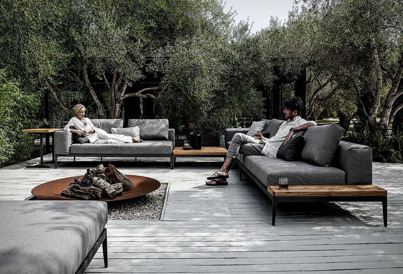 Elegant Interchangeable Outdoor Sofas