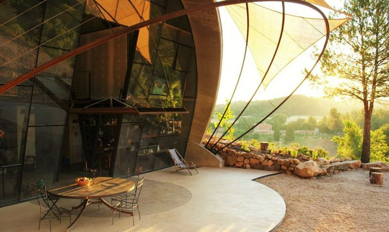 Snail-Inspired Retreats