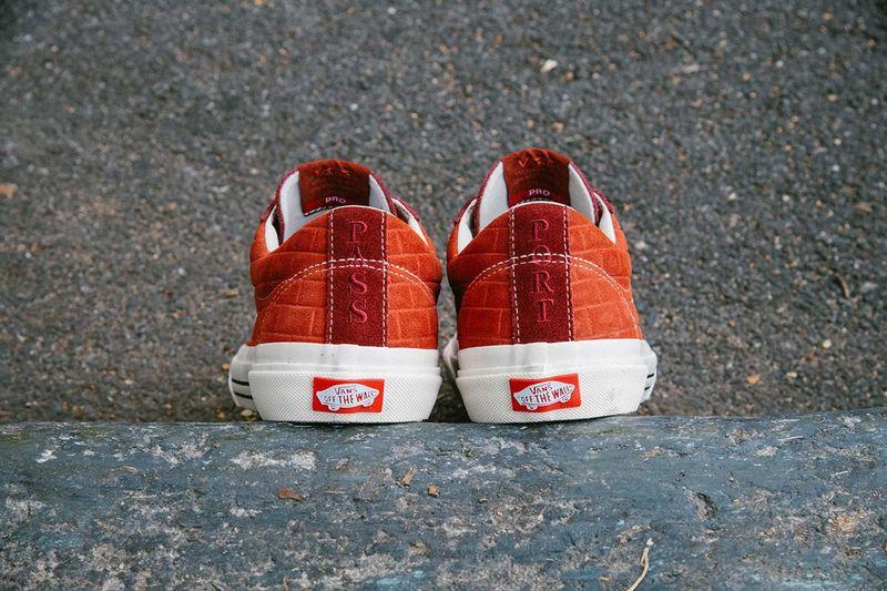Brick Textural Casual Sneakers