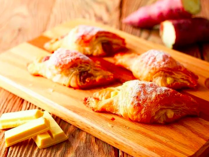 Chocolate Bar Croissants