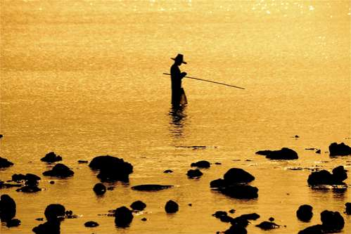 Lonely Fishermantography