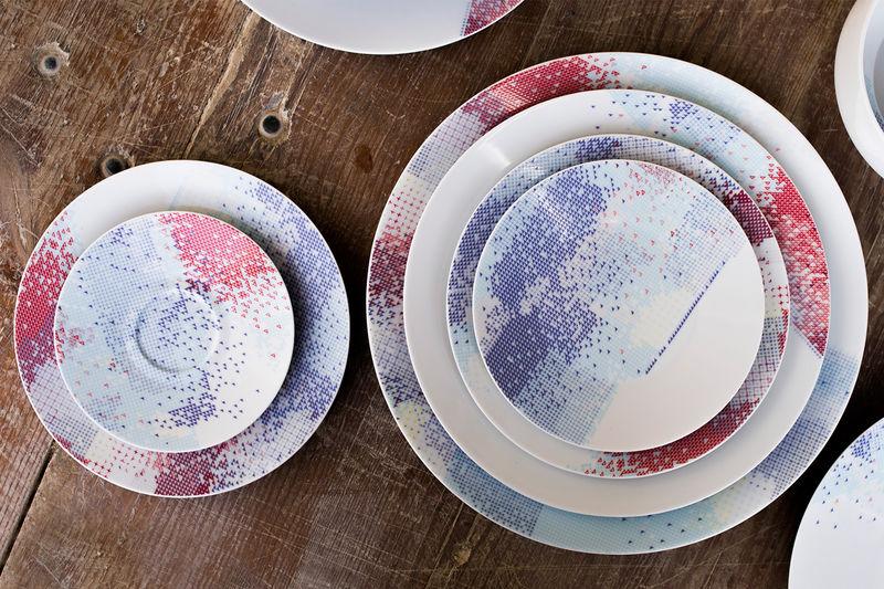 Fabric-Like Patterned Plates