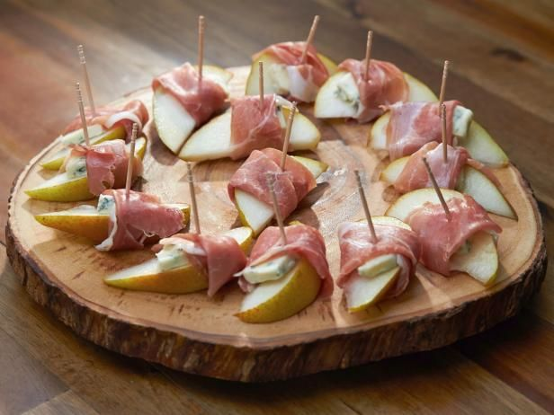 Prosciutto-Wrapped Pear Slices