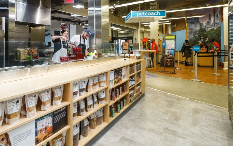 In-Store Pet Food Kitchens
