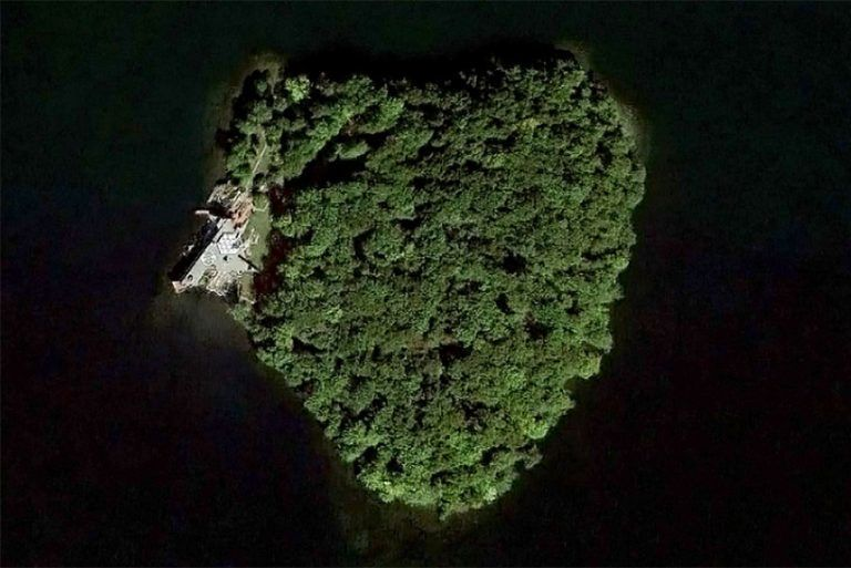 Heart-Shaped Private Islands