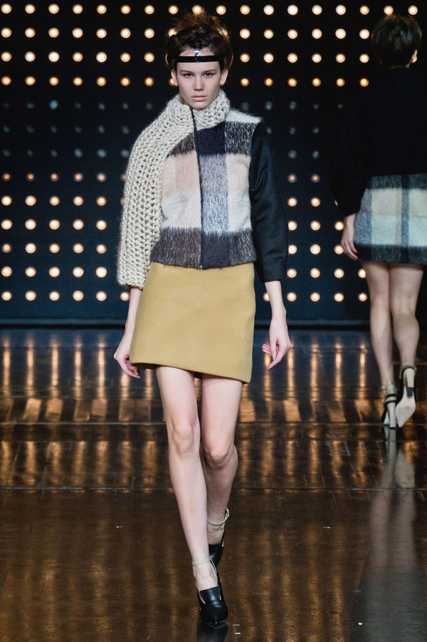 Hybrid-Scarf Fashion Collections