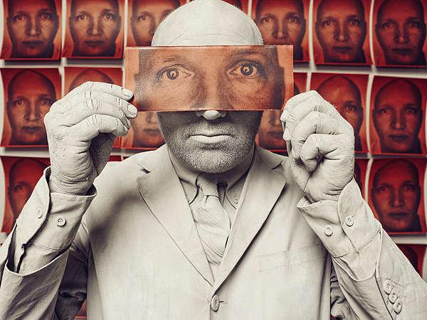 Cloned Cabaret Star Captures