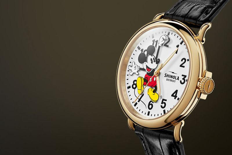 Luxe Cartoon-Motif Gold Watches