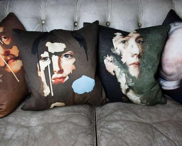 Fragmented Face-Revealing Pillows