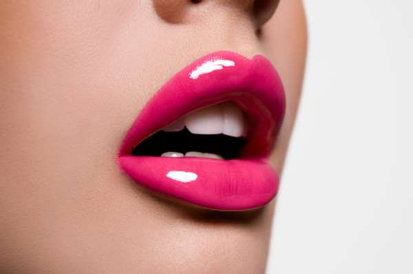 Pretty Pink Pouts Ladies Flock To Pink Lipstick For -1013