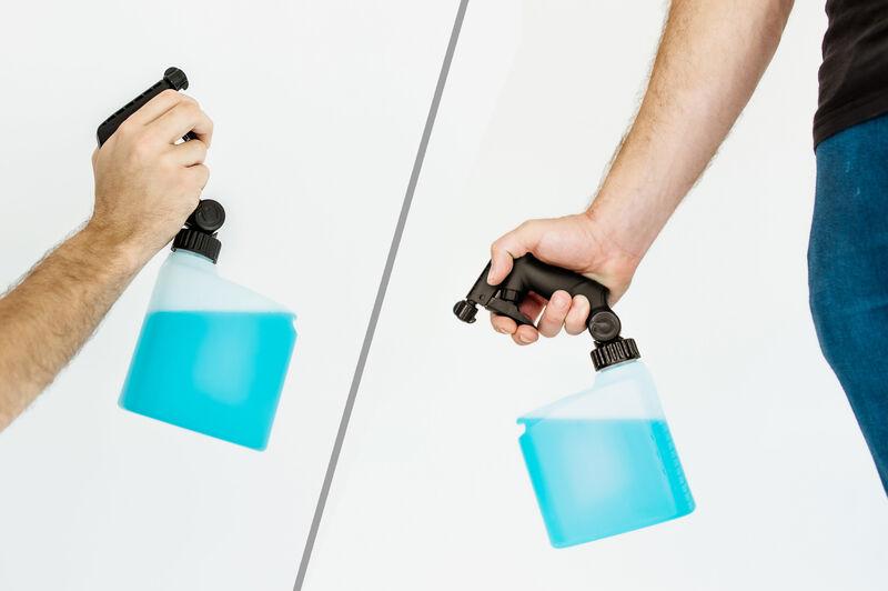 Pivoting Trigger Sprayers
