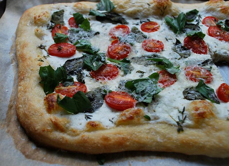 Healthy Yogurt Pizzas