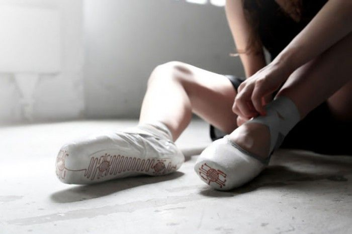 Movement-Memorizing Ballet Shoes