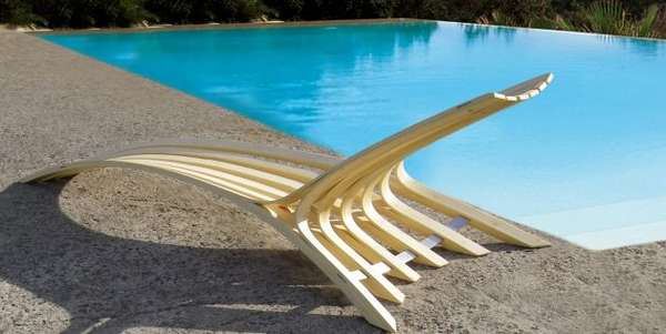 Curvilinear Poolside Chaises
