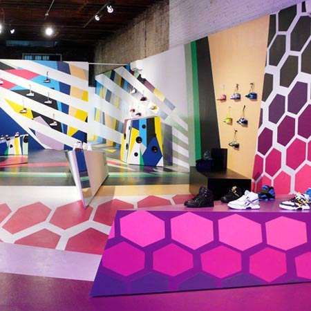 pop up sportswear stores the 39 reebok flash 39. Black Bedroom Furniture Sets. Home Design Ideas