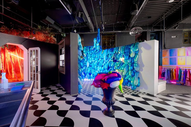 Holiday-Ready Pop-Up Retail Spaces