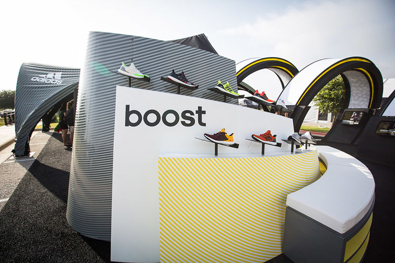 Pop-Up Shoe Stores