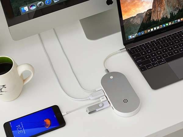 Device-Charging USB Hubs