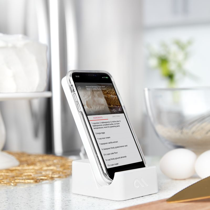 Quick-Charge Smartphone Docks