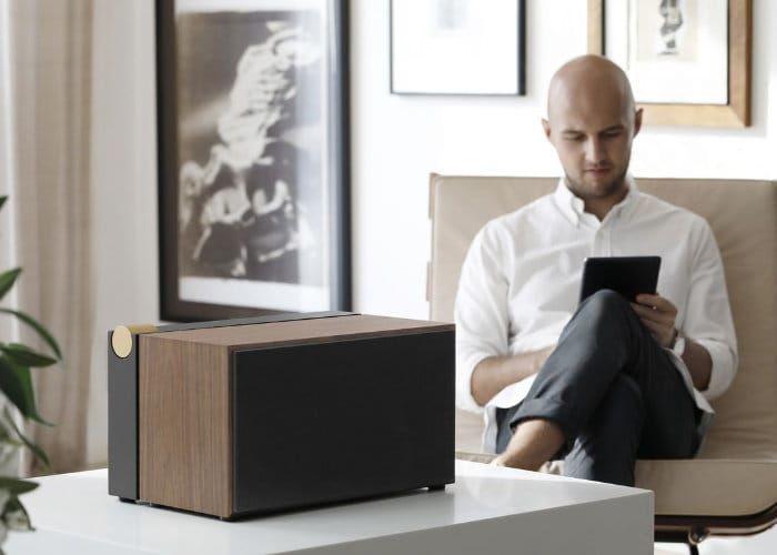 Retro-Like Wireless Speakers
