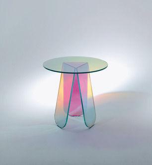 Petite Prismatic Tables