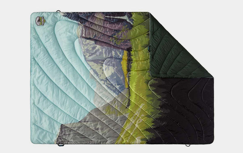 Insulated Outdoor Imagery Blankets