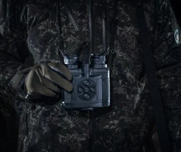 Sporty WiFi-Enabled Binoculars