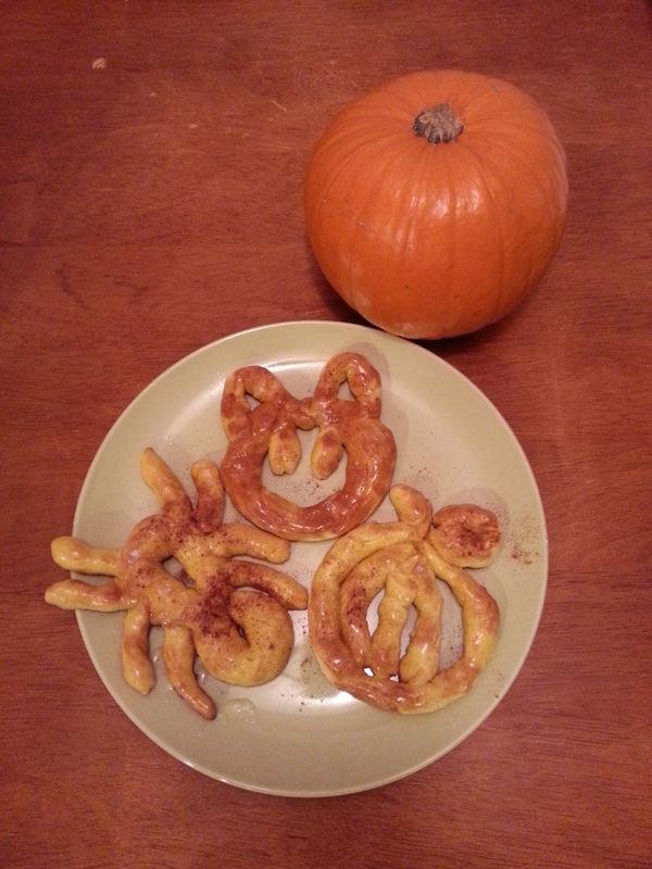 Festive DIY Pumpkin Pretzels