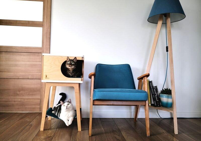 Demure Dual-Level Cat Houses