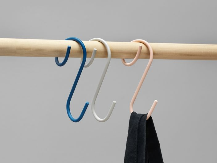 Q-Shaped Clothing Hooks