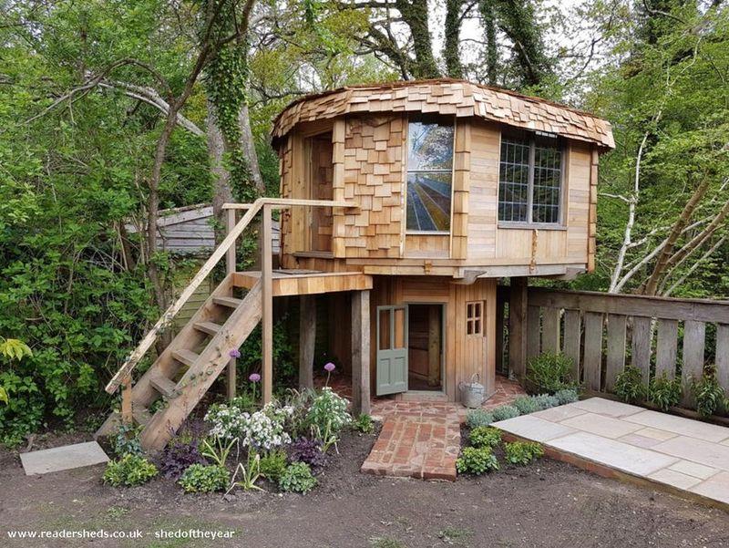 Mushroom-Shaped Cabins