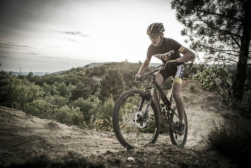 Carbon-Ceramic Cycling Clothing